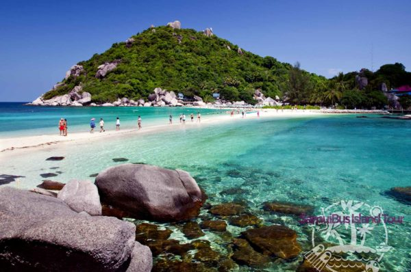 The islands Koh Tao and Koh Nang Yuan are two of the world's most breathtaking islands. You can discover the absolutely beautiful coral reefs.